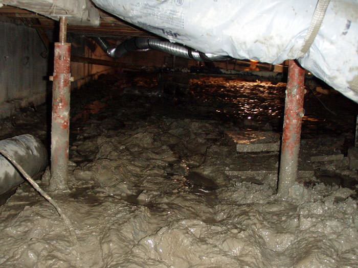 Old, Corroded Crawl Space Jack Posts In Syracuse.